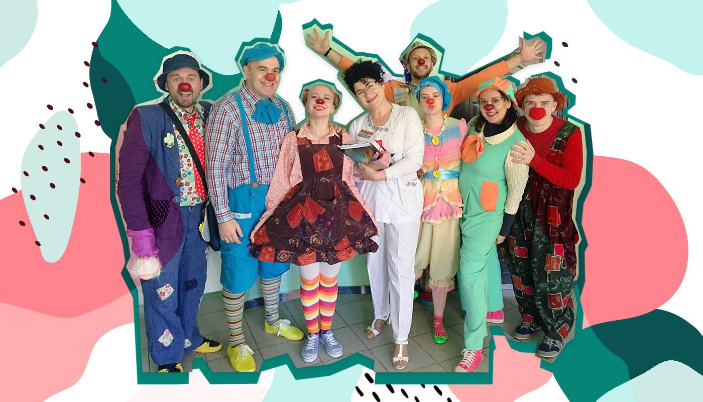 Фокусы не показываем и не всегда веселые. Как работают больничные клоуны в Одессе (UA)